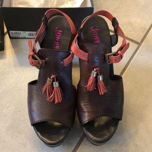 Jones Bootmaker of London Wedge Shoe